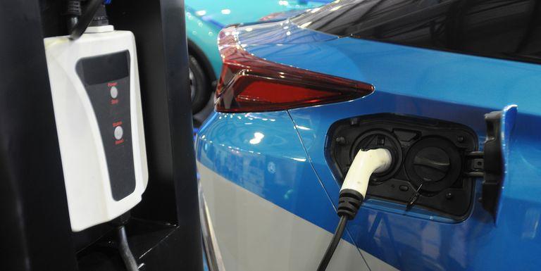 Решение проблемы быстрой зарядки батареи электромобиля не за горами